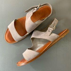 1. State Calen Sandal